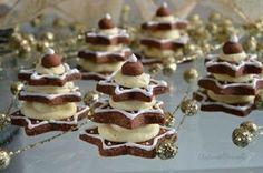 Anche l'occhio vuole la sua parte! Gli alberelli al cioccolato con crema al mascarpone, oltre ad essere buoni sono anche belli da vedere.