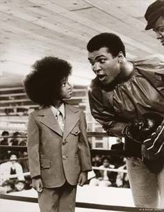Muhammad Ali & Michael Jackson Black history,history,Let Me Entertain You,Photography, Ali Michael, Young Michael Jackson, Photo Star, Robert Frank, Photo Vintage, The Jacksons, Muhammad Ali, African American History, Sports Illustrated