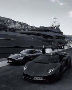 Yacht, Aston Martin or Lamborghini? Luxury Sports Cars, Top Luxury Cars, Sport Cars, Lux Cars, Photo Vintage, Fancy Cars, Black And White Aesthetic, Mafia, Luxury Lifestyle