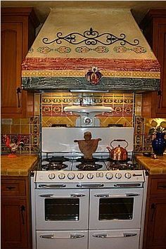 mexican kitchens images | ... Mexican_home_decor_projects/mexican_tile_kitchens/tile_around_stove