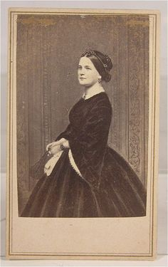 Mary Todd Lincoln, 1861.
