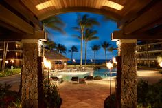 """Ko'a Kea Hotel & Resort in Hawaii....this looks amazing.    Romantic, tropical and luxurious ....Hawaii is a must for the """" Luna de miel"""""""