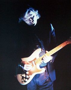 David Gilmour from Pink Floyd: Playing 1954 Fender Stratocaster No. 0001. Yep, this is the first production model.
