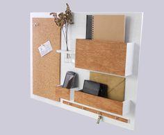 Perfekt für das über dem Schreibtisch hing, auf dem Flur oder im Wartezimmer ...  Eigentlichen Organisator - ästhetisch, schön gemacht, zuverlässig.  Drei Fächer, Pinnwand, die Regierung vier...