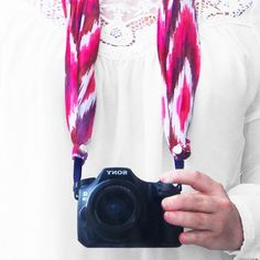 Upgrade your camera strap to a beautiful accessory (English and German)!