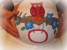 Bellypaint owl, made by my best friend Saskia!!    When the picture was taken, i was 37 weeks pregnant.