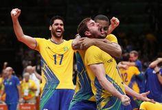 Firme, forte e dourado: Brasil bate Itália e volta ao topo olímpico após 12 anos