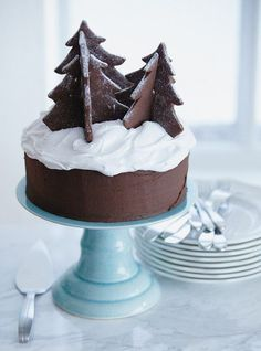 Simple but delicious chocolate gateau christmas cake. Chocolate Christmas Cake, Christmas Tree Cookies, Christmas Sweets, Christmas Cooking, Christmas Goodies, Christmas Cakes, Chocolate Cake, Elegant Christmas, Blue Christmas