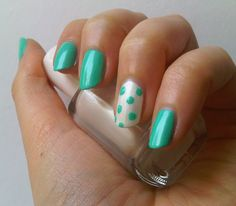 Misslyn Candy Mint with accent nail in Essie pearly white: http://penguinlacquer.blogspot.de/2014/06/pfefferminz-bonbon.html #nails