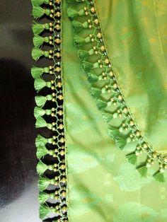 Saree Kuchu New Designs, Saree Jacket Designs, Saree Tassels Designs, Best Blouse Designs, Saree Blouse Neck Designs, Bridal Blouse Designs, Hand Work Blouse Design, Kurta Neck Design, Designer Blouse Patterns