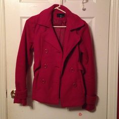 BEAUTIFUL Magenta/Maroon PEACOAT beautiful warm cozy jacket. no wears or damage. make an offer. not mk. MAKE AN OFFER Forever 21 Jackets & Coats Pea Coats