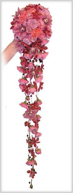 Brudebukett dråpeformet i rosa