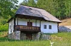 Muzeul Satului Bujoreni