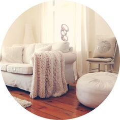 At the top of my wish list for this fall is a giant chunky knit wool blanket