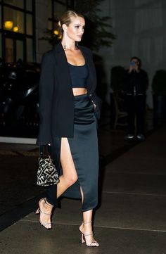 The 2019 Shoe Trends Celebs Clearly Love Shop the 2019 shoe trends celebrities clearly love. From Kendall Jenner to Rihanna, there's surely a celeb-approved shoe in here for you. Look Fashion, Fashion News, Fashion Outfits, Womens Fashion, Fashion Trends, Fashion Pants, Sexy Outfits, Fashion Inspiration, Celebrity Shoes