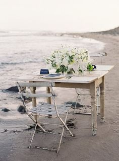 Beach side shabby chic I'm there! Repinned by www.claudiadeyongdesigns.com