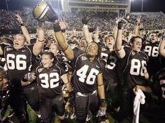 Vanderbilt football ( : Go Vandy! Vandy Football, Sec Football, Football Fans, College Football, Vanderbilt Football, Vanderbilt University, Vanderbilt Commodores, Homecoming Week, Cbs Sports