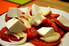 Ensalada de tomate y queso fresco. #RecetasGalaicus #ensaladas #queso