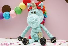 Crochet a unicorn – Unicorns are everywhere these days. Curious to know how to make your own? Then read on for the free crochet pattern. Crochet For Kids, Free Crochet, Knit Crochet, Crochet Children, Crochet Hook Sizes, Crochet Hooks, Diy Crafts For Boyfriend, Knitting Patterns, Crochet Patterns