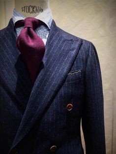 """notyouraveragegentleman: """" Ring Jacket Carlo Barbera fabric and new bleached horn buttons on with Cashmere solid tie. Dapper Gentleman, Gentleman Style, Suit Combinations, Bespoke Suit, Pinstripe Suit, Well Dressed Men, Mens Suits, Oxfords, Menswear"""