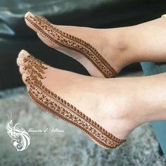 Simple Mehndi Designs for eid Legs Mehndi Design, Mehndi Designs Feet, Henna Hand Designs, Stylish Mehndi Designs, Mehndi Design Pictures, Bridal Henna Designs, Mehndi Designs For Girls, Beautiful Henna Designs, Mehndi Designs 2018