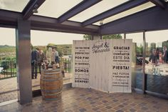 Photocall personalizado de boda    #boda #wedding #ramodenovias #estilismoboda #weddingplanner #decoracióndebodas #photocall #photocall personalizado #madera #photocalldemadera #flowers #eventos #decoracion #diseño #bodas #evento #boda #latarara
