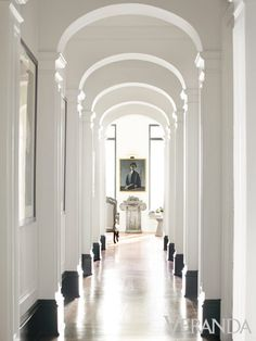 Black baseboards -  Artistic Aerie: Designer Mimi Williams Atlanta Apartment
