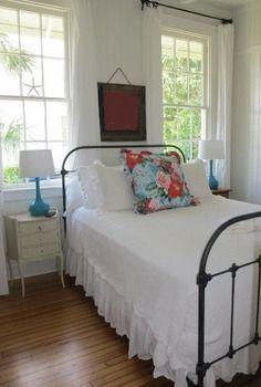 .simple...clean and charming #simplebeachcottages