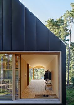 Image 12 of 23 from gallery of House Husarö  / Tham & Videgård Arkitekter. Photograph by  Ake E:son Lindman
