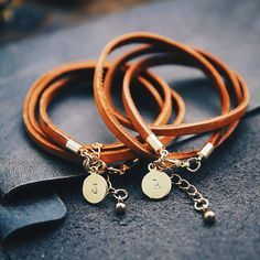 Vegetable leather bracelet, stamp leather bracelet, custom leather bracelet, if you wear longer, the color of the leather will change into a beautiful