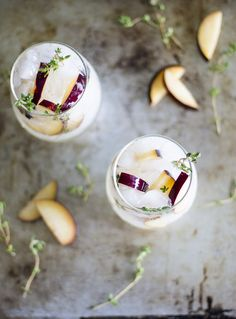 Plum and Thyme Prosecco Smash. Plum and Thyme Prosecco Smash Prosecco Cocktails, Fall Cocktails, Cocktail Drinks, Cocktail Recipes, Liquor Drinks, Fancy Drinks, Holiday Drinks, Alcoholic Beverages, Cold Drinks