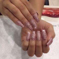 Pink & rose gold for @tiffkathleen  I'm. Blind #nails #nailsonpoint #nailsoftheday #ballerina #aspley #fashionnails #brisbane #sunshinecoast #aspley