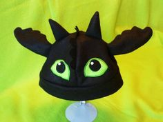 Toothless Dragon Fleece Hat on Etsy, Toothless Costume, Toothless Dragon, Black Beast, Dragon Party, How To Train Your Dragon, Toddler Crafts, Crochet Crafts, Mittens, Halloween Costumes