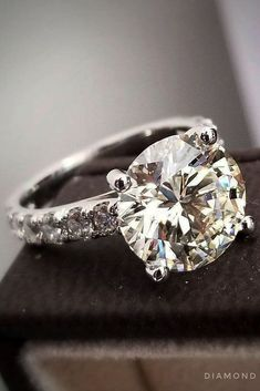 Engagements Rings : 30 Fantastic Engagement Rings 2018 ❤️ rings pave band round diamond white go… Pear Shaped Engagement Rings, Engagement Ring Shapes, Rose Gold Engagement Ring, Wedding Engagement, Real Gold Jewelry, White Gold Jewelry, Gold Jewellery, Or Rose, Moissanite