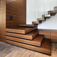Detalles que marcan la diferencia: #Escalones de madera que se proyectan. Contraste de tonos y materiales rusticos. Ve mas #ideas para #remodelar en: arquitecturacreativa.blogspot.com Siguenos también en: www.twitter.com/arqcreativa...
