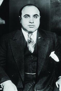 Hoy, 17 de enero, en 1899, nació Al Capone, gánster estadounidense de la lista de los 'más buscados' del FBI de los 20 y 30.