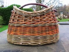 From another pinner: Handbag basket with oval base, hand woven by Debbie Hall from locally grown organic willow in lovely colours. A really unique accessory.