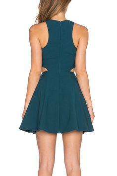 Elizabeth and James Emorie Dress en Prussian Blue Nyc Dresses, Dresses For Work, Formal Dresses, School Dance Dresses, Vogue, Online Shopping Clothes, Online Clothes, Elizabeth And James, Fashion Labels