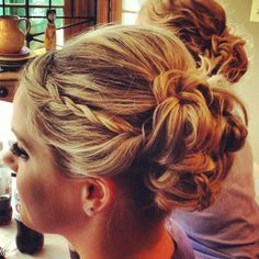 Bridesmaid hair by Julie Meacham @Alainna Beljanski Pyatt Let's make my hair do like this, Wain!
