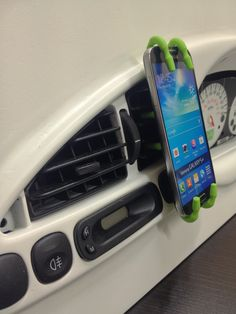 Spiderpodium being used as a dash mount for the Samsung Galaxy S4. Hopefully it can be used with the iphone