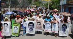 """Nueve meses pasaron desde que desaparecieron 43 alumnos de la Escuela Normal Rural Raúl Isidro Burgos, en Ayotzinapa, Guerrero, aquella noche de Iguala. Sus padres han llevado la denuncia por todo el mundo, pero para el Gobierno mexicano la """"verdad histórica"""" es que los normalistas fueron asesinados y quemados entre el 25 y 26 de […]"""