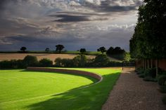 Thomas Hoblyn Landscape & Garden Design (UK) Defining your open space This is a Ha-Ha - a dry ditch with a retaining wall.