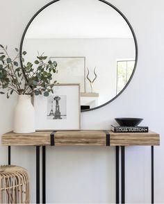 Hallway Decorating, Interior Decorating, Interior Design, Decorating Bookshelves, Decorating Bedrooms, Design Interiors, Interior Modern, Room Interior, Decorating Ideas
