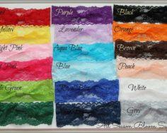 Usted elige la cantidad de 5, 10, 15 o 20 vendas elástico del foldover.  Miden 5/8 de ancho y vienen con un bucle, así que usted puede acortar su flor favorita o cualquier otra cosa que te gusta.   Por favor, elige los colores y salir en las notas de salida. Si hay no hay opciones de color le enviaremos una mezcla al azar.  Colores disponibles:  1 - Rosa 2 - rosa 3 - rosa 4 - rosa 5 - púrpura 6 - lavanda 7 - azul 8 - Baby blue 9 - azul real 10 - azul marino 11 - rojo 12 - naranja 13 - ma...