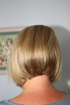 : Back of Short Bob Haircuts 2019 Please visit our website for Bob Haircut Back View, Bob Haircut With Bangs, Short Hair With Bangs, Short Hair Cuts, Short Hair Styles, Shorter Hair, Graduated Bob Haircuts, Inverted Bob Hairstyles, Short Bob Haircuts
