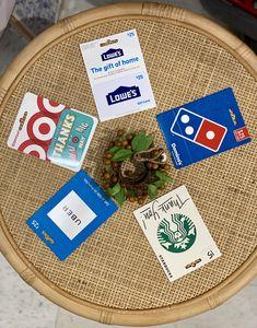 En este post te explico todas las apps y sitios web que uso para obtener tarjetas de regalo totalmente gratis para estas navidades. Extra Money, Starbucks, Told You So, Thankful, Apps, Gifts, Shopping, Saving Tips, Gift Cards