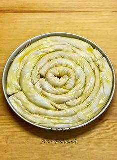 Μαθήματα στριφτής πίτας από τον φίλο Zafeirios Chatzichalkias, μέλος της Ομάδας μας, Συνταγές…εύκολες, γρήγορες και νόστιμες…Ευχαριστούμε! Θα δείτε εδώ τα βήματα της στριφτής ζύμης, η γέμιση είναι δική σας επιλογή, ότι σας αρέσει. Pita Recipes, Greek Recipes, Cooking Recipes, Cypriot Food, Greek Pita, Greek Pastries, Greek Cooking, Different Recipes, Food Inspiration