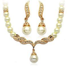 Set bijuterii placate cu aur si perle, fin si elegant - www.bodyandbijoux.ro