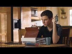 iOS & Sehbehinderung: iPhone & Co sinnvoll nutzen - https://apfeleimer.de/2016/06/ios-sehbehinderung-iphone-co-sinnvoll-nutzen - Dass sich Apple extrem große Mühe gibt, mit seinen Gerätschaften auch Menschen mit Behinderung am normalen Alltag teilnehmen zu lassen ist ja nichts Neues. Zuletzt machte der Konzern mit seiner Autismus-Kampagne auf sich aufmerksam und stellte uns Dillan vor, der mithilfe seines iPad und einer Sp...