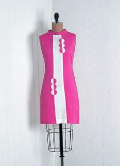Bubble-Gum Pink and White Linen-Cotton Op-Art Mini Dress From TimelessVixenVintage Good pattern Sixties Fashion, Mod Fashion, Vintage Fashion, Womens Fashion, 1960s Dresses, 1960s Outfits, Vintage Outfits, Beautiful Dresses, Pop Art